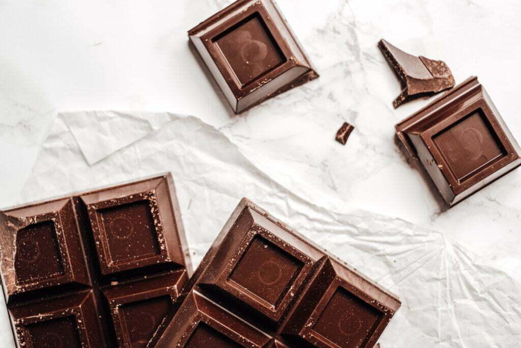 μαύρη σοκολάτα μπορεί να έχει οφέλη για την καρδιά σε ενήλικες